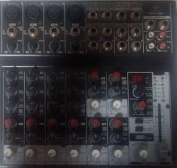 violão, mesa de som, e microfones s/fios