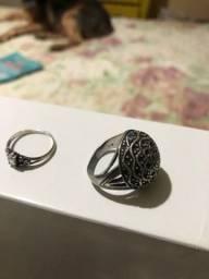 Anéis antigos de prata e zircônia