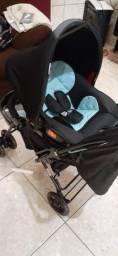 Carrinho e Bebê conforto.