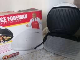 Título do anúncio: Vendo grill George Foreman nunca usado