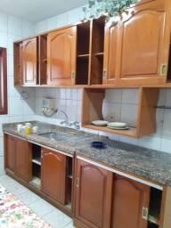 Título do anúncio: Cozinha cerejeira maciça completa com tampos de granito - Barbada!!!