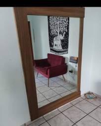 Espelho enorme