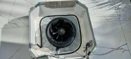 Instalação e manutenção de ar-condicionado.