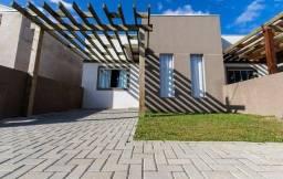 Título do anúncio: Casa em condomínio com estilo moderno e contemporâneo no Abranches