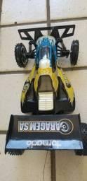 Carro Tornado Garagem SA de controle remoto