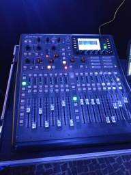 Mesa de som Digital X32 Producer com case