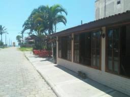 Restaurante 400m² e Apartamento 2 andares 200m² Praia de Itaguaçu SFS-SC 540m²