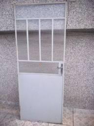 Porta de ferro