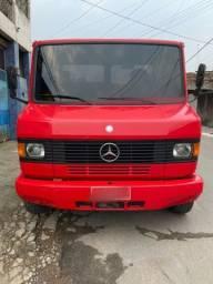 Caminhão 710 -