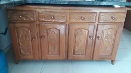 Vende-se armário de madeira de lei