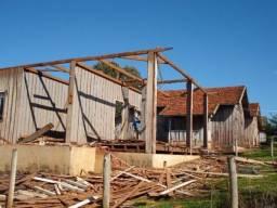 Compra e venda de madeira de peroba de demolição