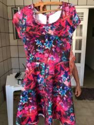 Brecho da fran: vestidos no valor de $20 reais cada um.