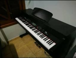 Vendo Piano Elétrico em perfeito estado funcionando