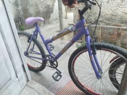 Bicicleta feminina aro 26 semi nova