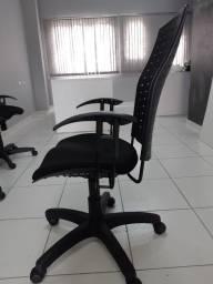 Título do anúncio: Cadeira para escritório semi nova