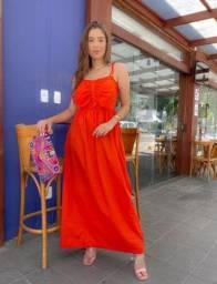 Vestido longo vermelho ?