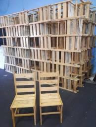 Cadeira de madeira (pinnos) 60,00 cada