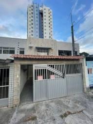 Casa Duplex Ampla e Bem Iluminada com 240m² em Setúbal para Locação.