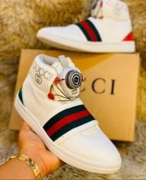 Título do anúncio: Tênis e botinha de grife... Gucci/ DG