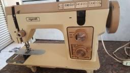 Título do anúncio: Vende se maquina costura Vingorelli