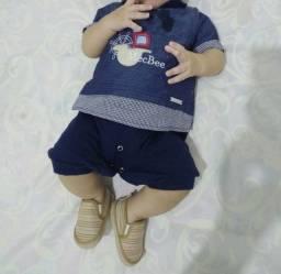 Vendo roupa e sapatos de bebê masculina nova e semi novas