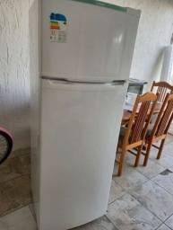 Vendo geladeira 110v
