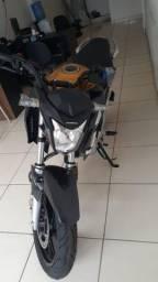 Moto CB semi nova