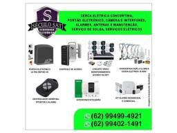 Arruma tomadas e chuveiros e instala lâmpada e equipamentos eletrônicos como câmeras.