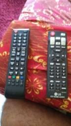 Vende-se dois controles originais um de TV Samsung o outro de som LG