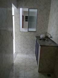 Aluga-se casa nova com 2 quartos no fim de linha do bairro Tororó-Centro