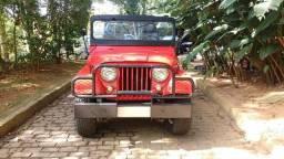 Jeep Willys 1972 6 cilindros 4x4 direção hidráulica