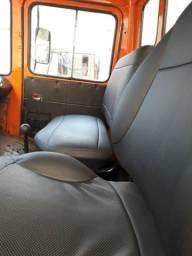 Caminhão 608 ano 79