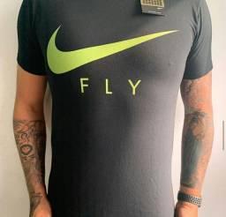 Camisetas básicas no atacado e no varejo