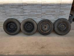 Jogo de rodas 14 de ferro semi novas originais fiat
