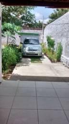 Aluga-se uma linda casa no bairro Nordeste