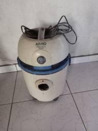 Vendo aspirador de pó marca arno valor 180 reais contato *