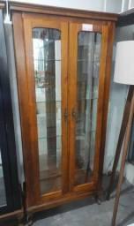 Cristaleira Decorativa com Espelho Pés Luís XV em Madeira