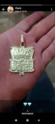 Vendo lindo pingente de ouro ... JESUS E O DONO DO LUGAR