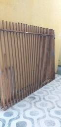 - Portão usado em excelente estado.