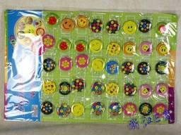 Cartela Broche Botton Personalizado Carinha Emoji Emoticon Smile/ Coração