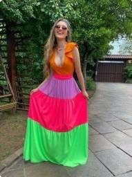 Título do anúncio: Vestido arco íris novo
