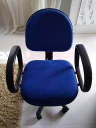 Título do anúncio: Cadeira de escritório azul com braços