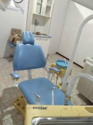 Título do anúncio: Vendo cadeira odontollogica com todos instrumentos barbada