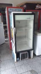 Expositora de refrigerante 110 v só falta a frente
