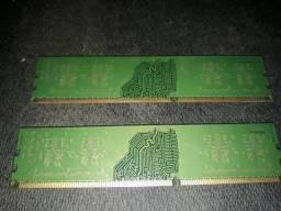 Memória RAM 2 pente de 1 giga .