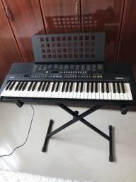 Teclado Yamaha PSR- 210