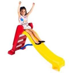 Escorregador Médio Divertido-escada Vermelha E Rampa Amarela