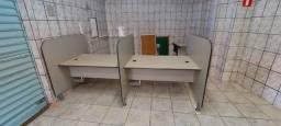 Mesa de escritório plataforma pra dois lugares.