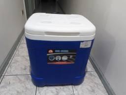 Título do anúncio: Caixa Térmica Igloo 57 litros com rodas