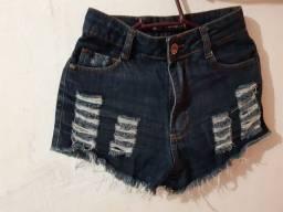 Título do anúncio: Bermuda jeans moda rasgada ótimo estado